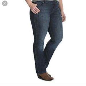 Wrangler Q - Baby Plus Size Bootcut Jeans
